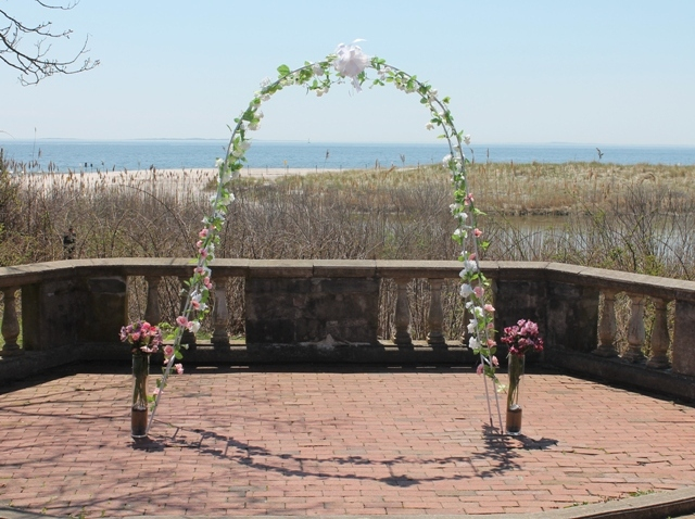 The Amphitheater at Harkness Park enables your guests to sit comfortably at your summer wedding.