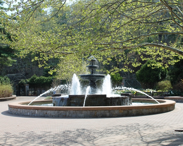 Mohegan Park Fountain.